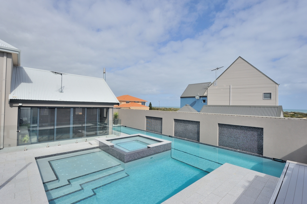 Concrete pools perth concrete swimming pools perth for Concrete pool construction