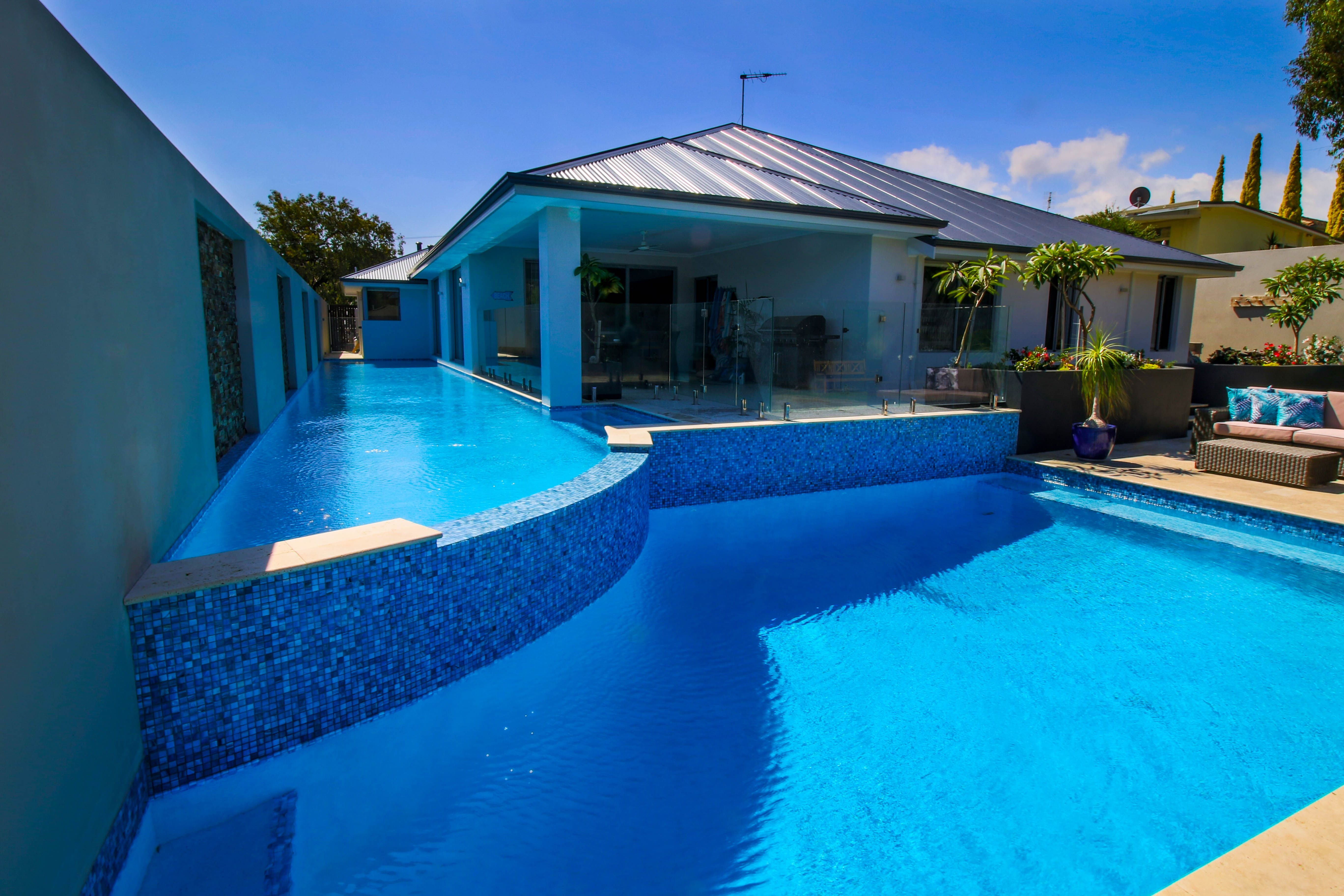 Gallery tropical pools perth best swimming pool designs for Pool design perth