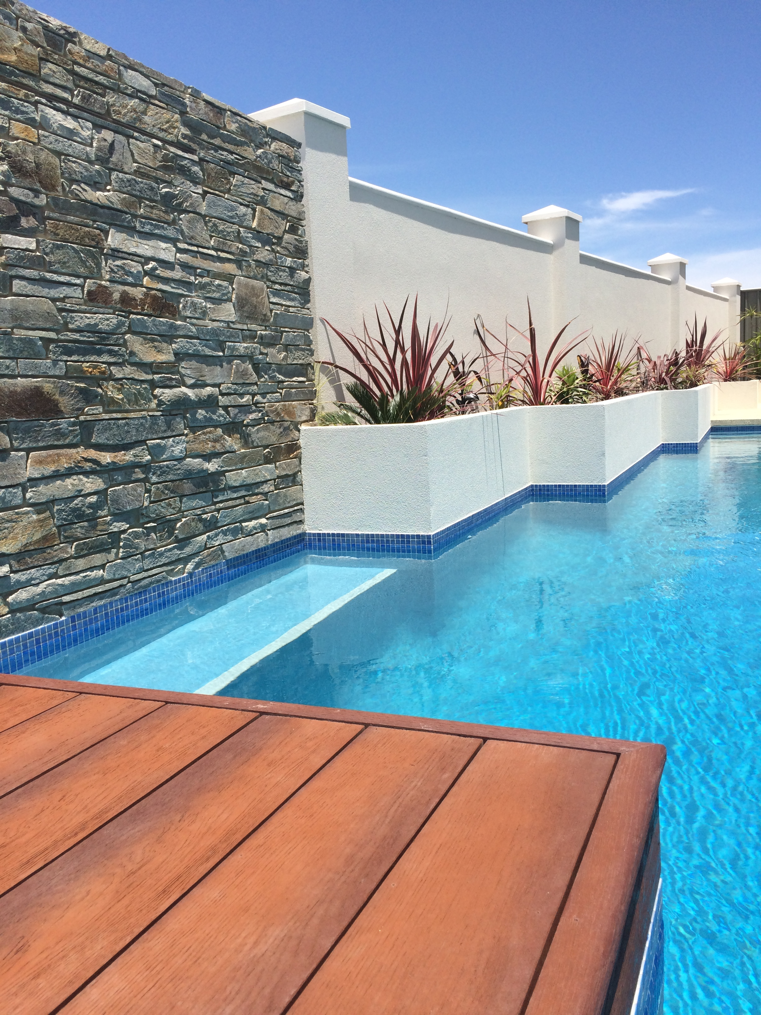 Gallery tropical pools perth best swimming pool designs for Pool design perth